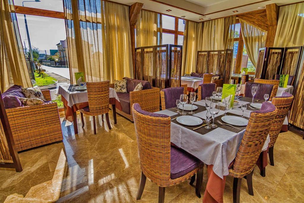 Ресторан отеля 3 звезды в Сочи