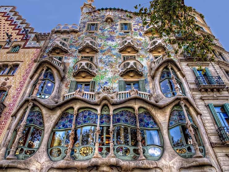 Дом Бальо, Гауди - достопримечательности Барселоны, Испания