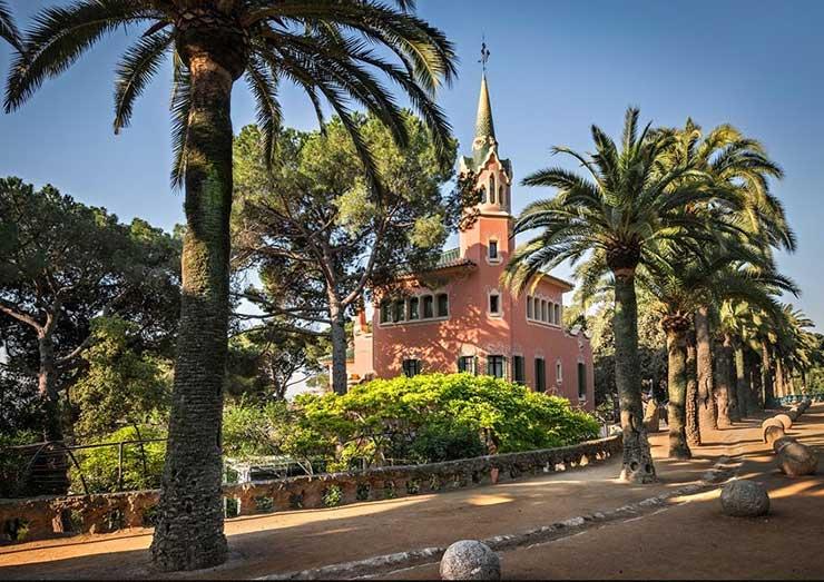 Парк Гуэль - фото музея Гауди, Барселона, Испания